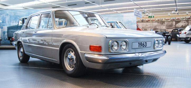 Wspaniały EA 128. Sportowa limuzyna VW z silnikiem Porsche. Słyszałeś o niej IZ41