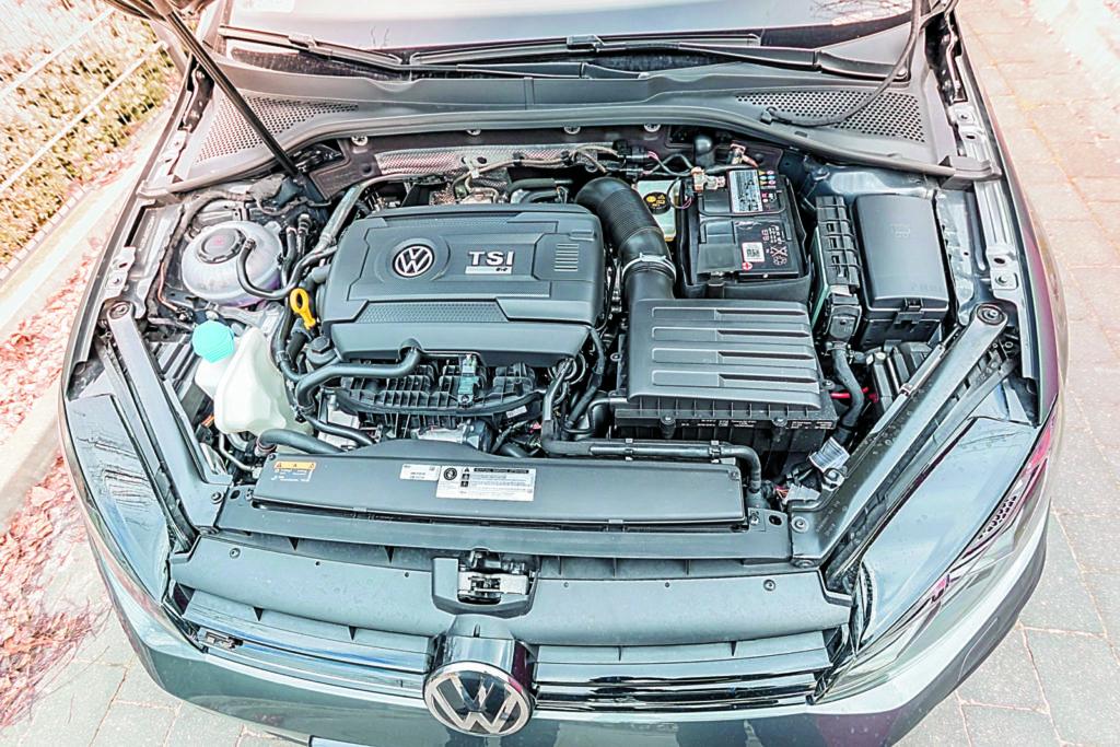 VW Golf VII R Variant