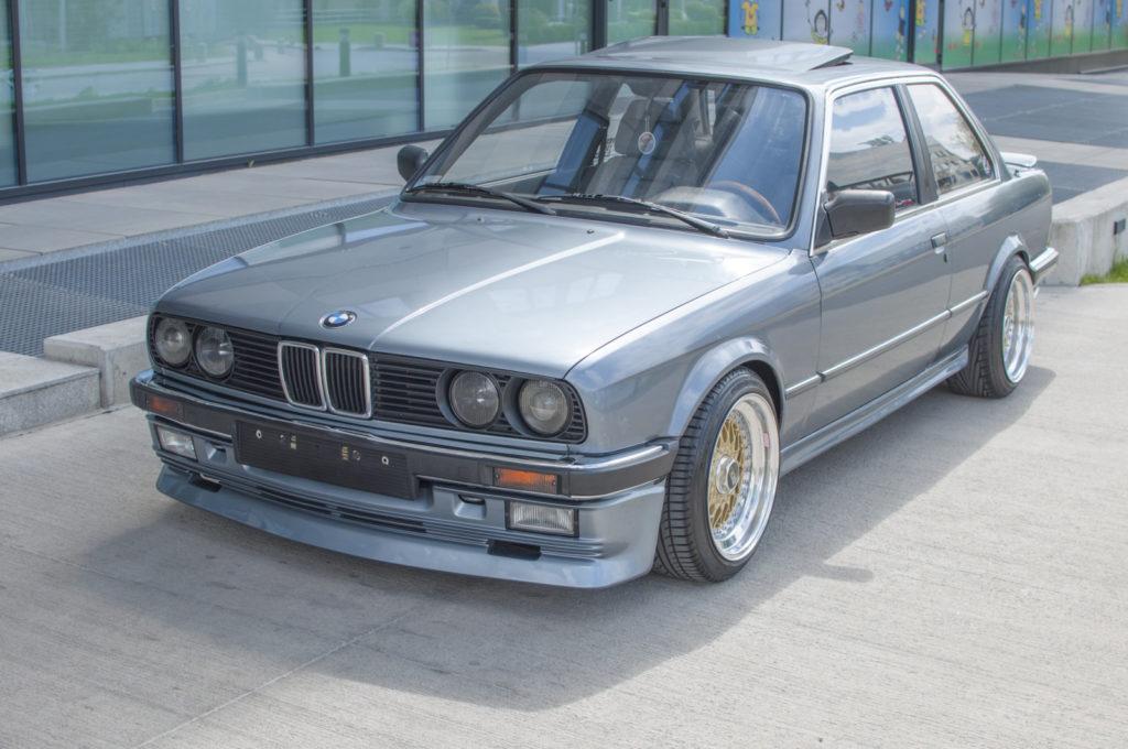 BMW_E30_320i_tuning