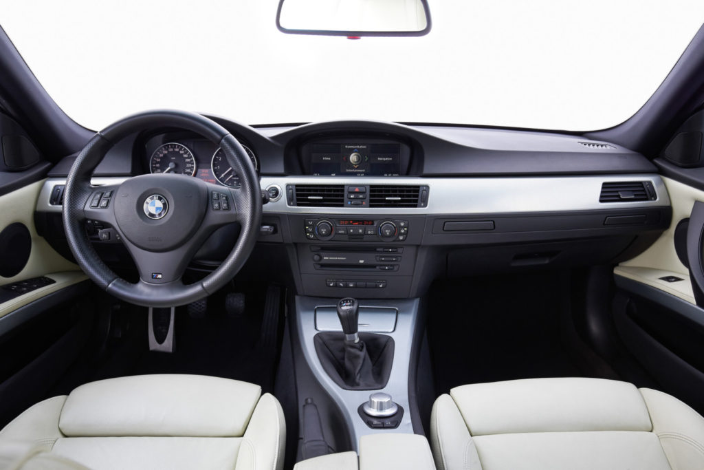 BMW_E90_335i
