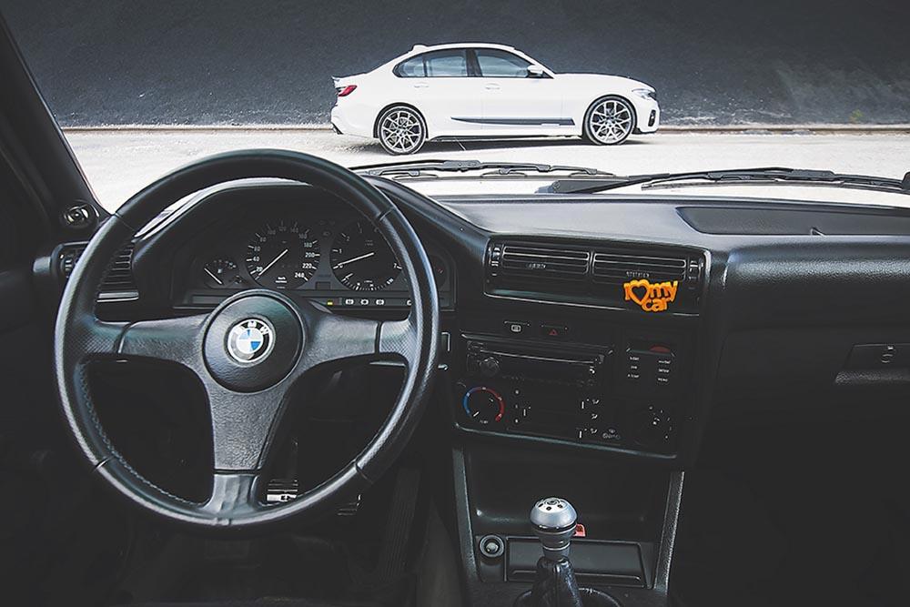 BMW E30 318 kokpit
