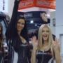 Piękne dziewczyny i niskie samochody, czyli SEMA 2019 - VIDEO