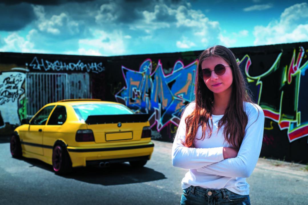 Marzena i jej BMW E36 Compact do driftu