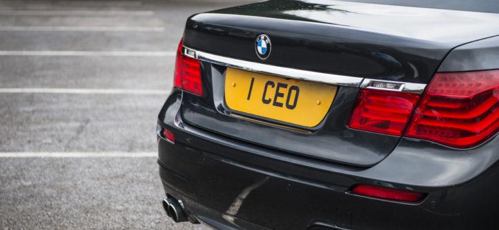 Prywatna tablica rejestracyjna I CEO