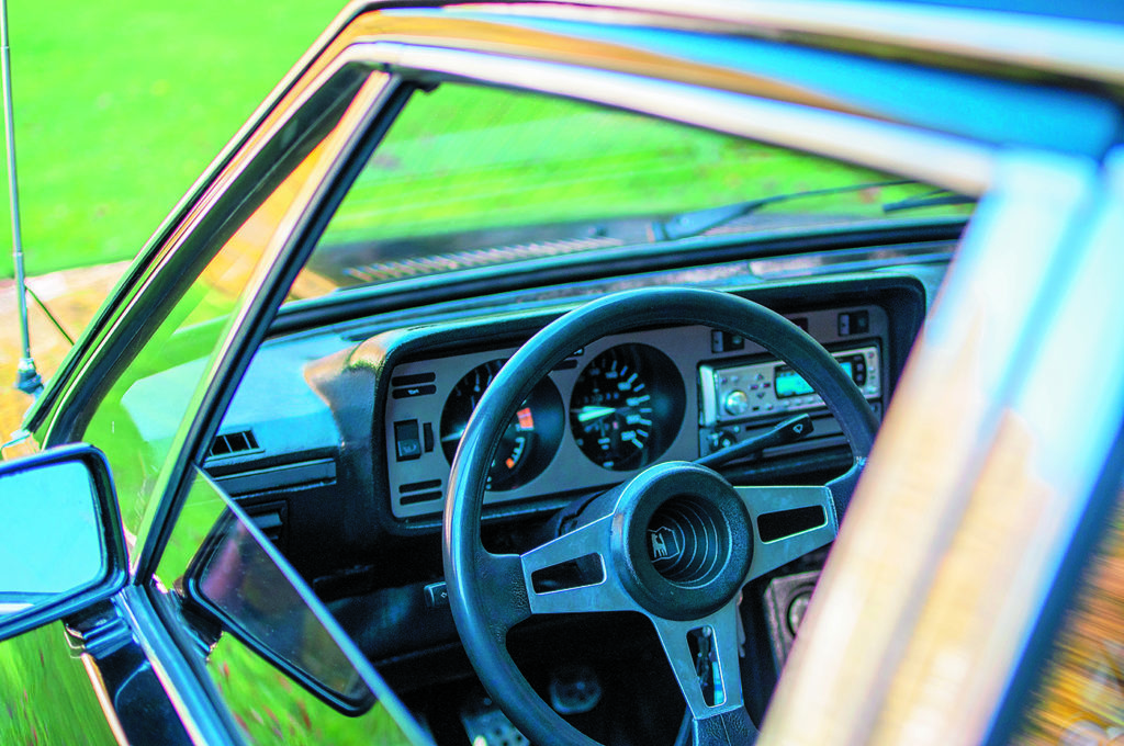 VW Scirocco 1 po tuningu i swapie silnika, kierownica