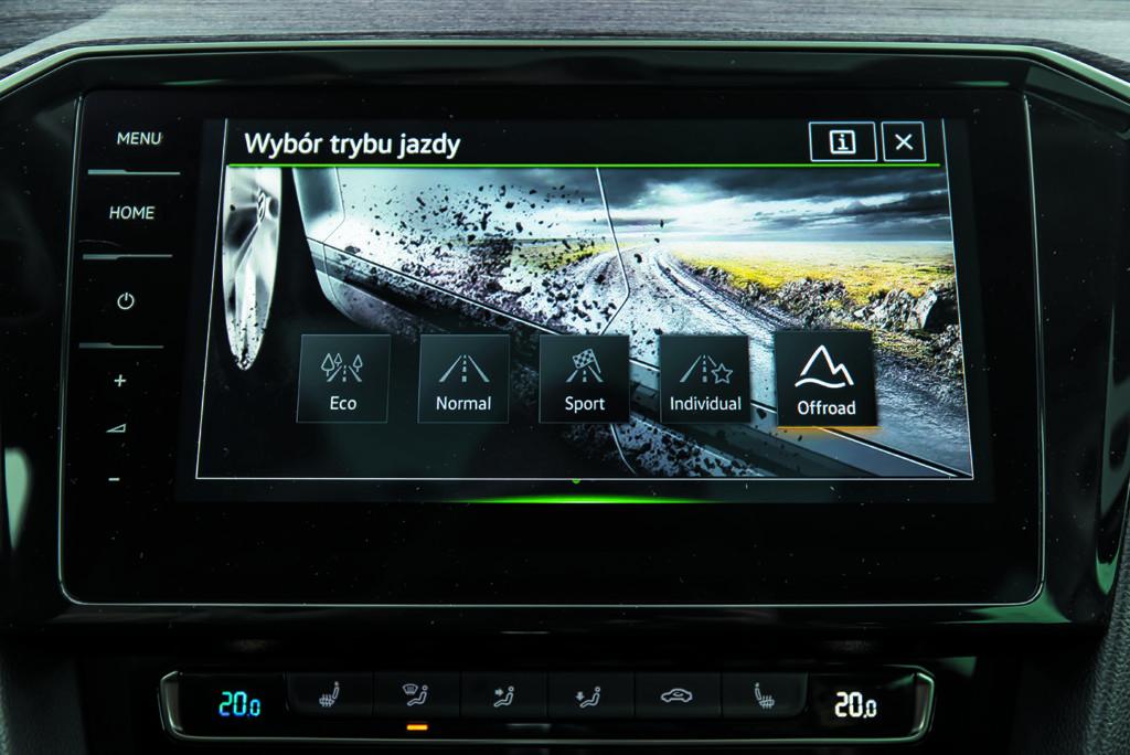 VW Passat Alltrack 2.0 TDI ekran z trybami jazdy