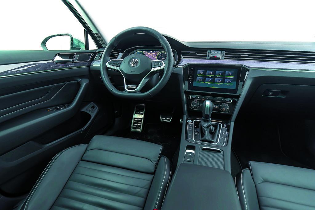 VW Passat Alltrack 2.0 TDI kokpit