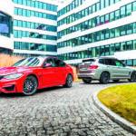 Widok z boku BMW M3 Competition i BMW X3 M Competition