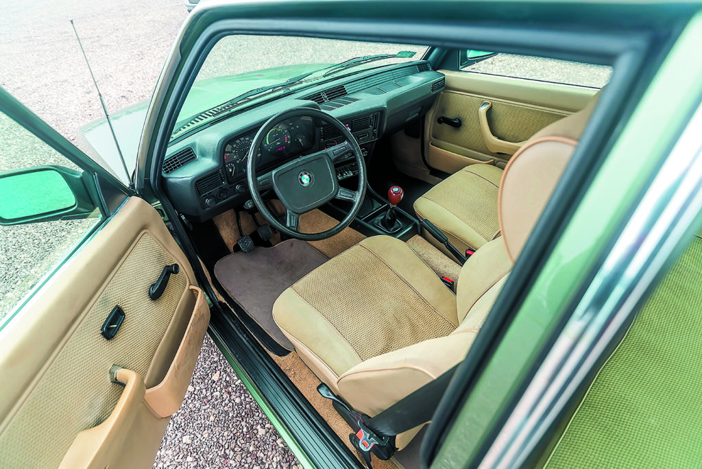 Wnętrze BMW E21 320