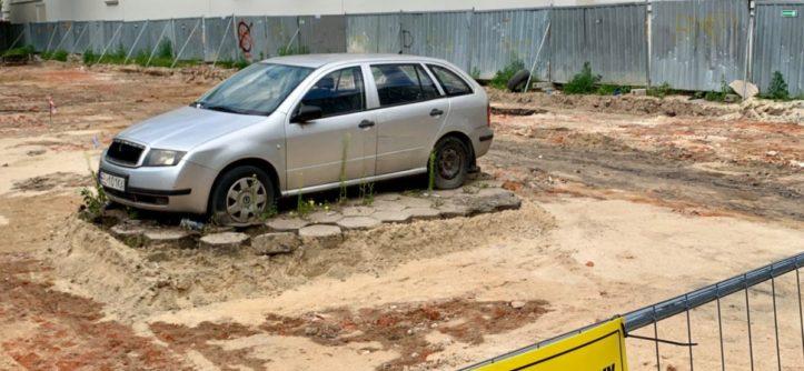 Skoda blokuje budowę pasażu
