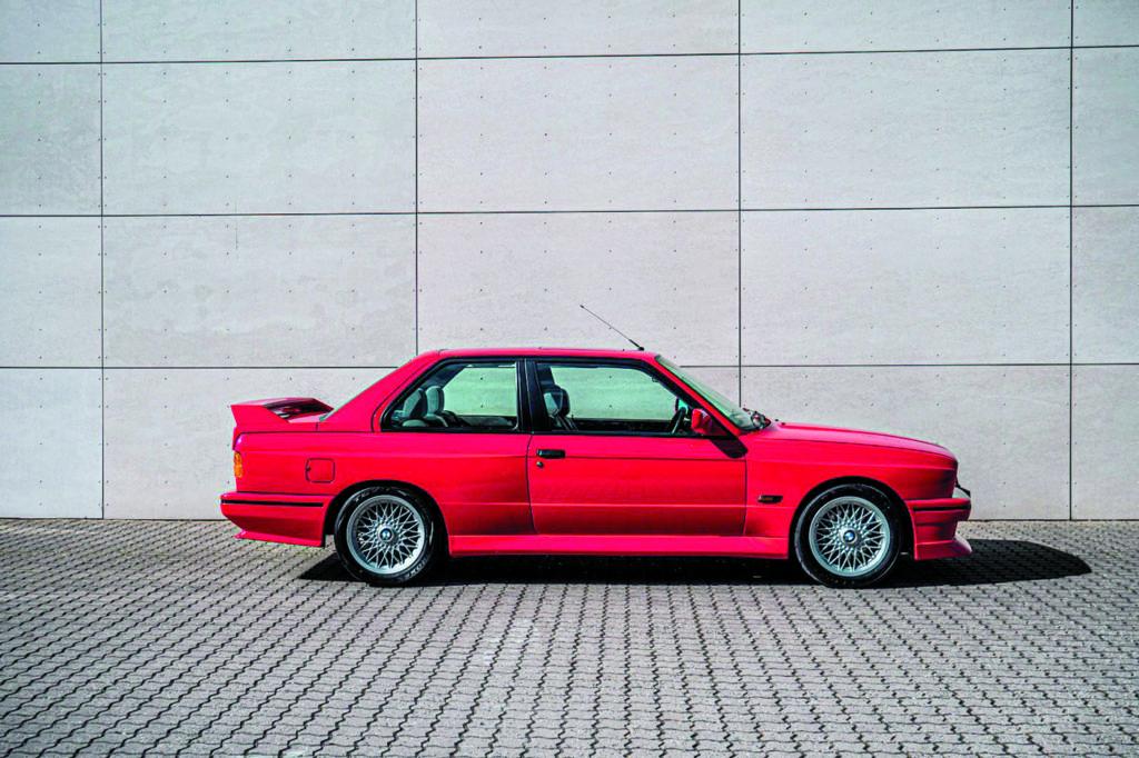 BMW E30 M3 Evo II by Schmiedmann widok z boku