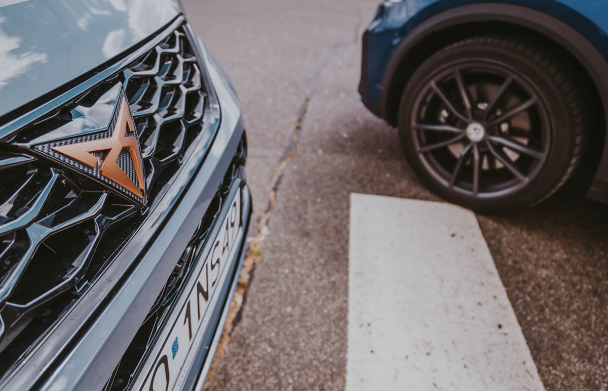 CUPRA Ateca - VW T-Roc R logo cupra