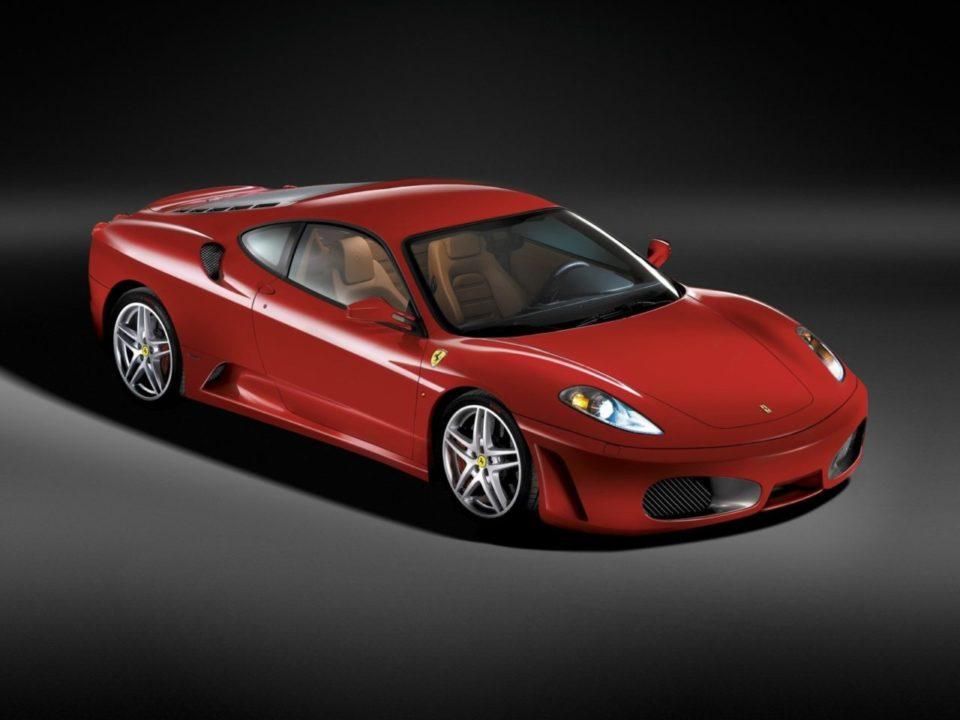 Ferrari F430 bok przód press