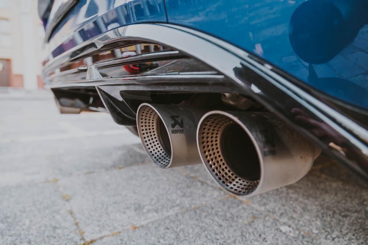 VW TROC R AKRAPOVIC