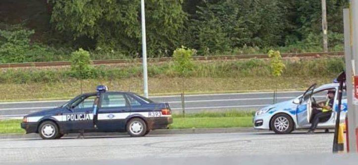 Passat B3 zatrzymany radiowóz