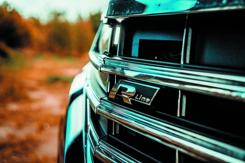 VW Touareg V6 TDI napis R Line