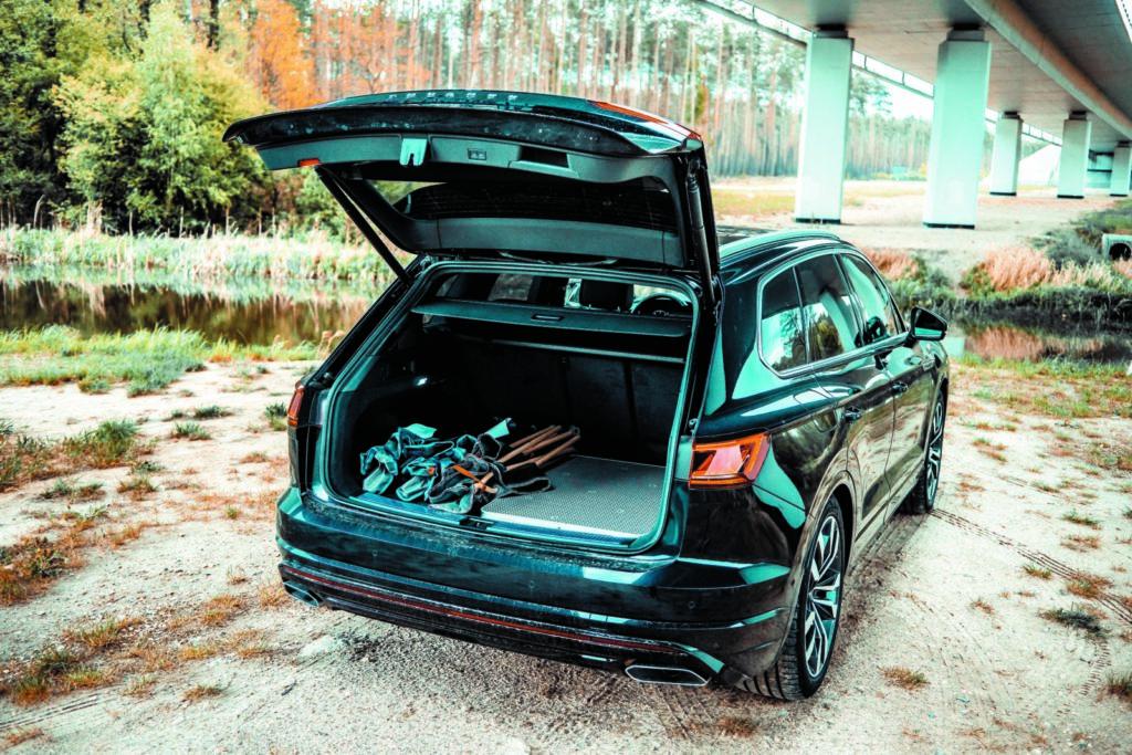 VW Touareg V6 TDI widok na bagażnik