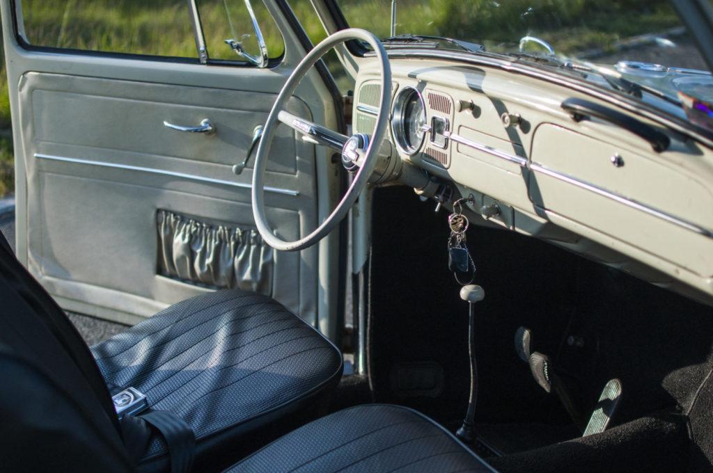 VW Garbus 1200 1965 r. wnętrze