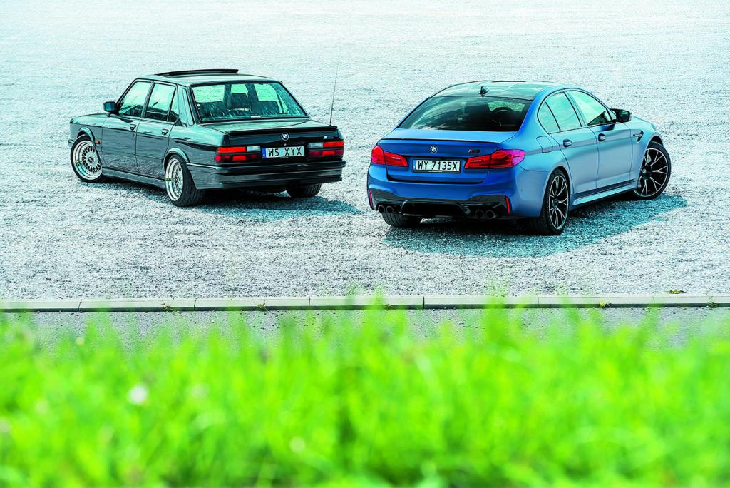 BMW M5 F90 Competition I BMW E28 M5 widok z tyłu