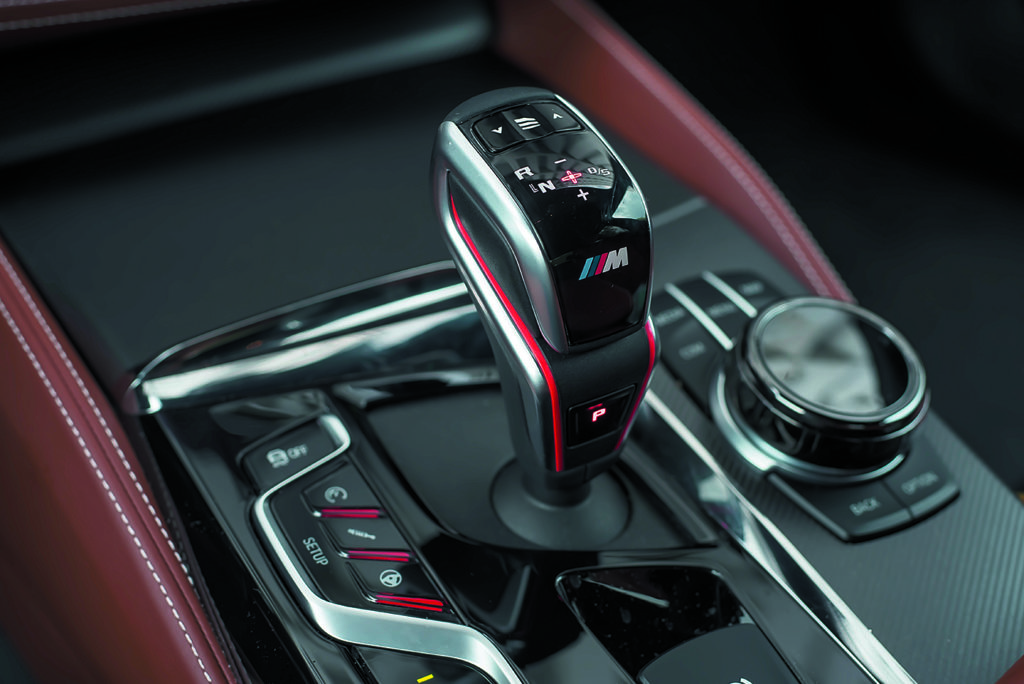 BMW M5 F90 Competition dźwignia zmiany biegów