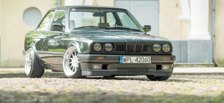 Tuning BMW E30 widok z przodu
