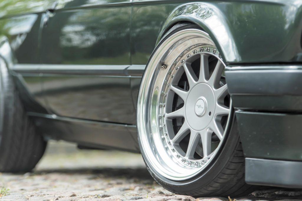 Tuning BMW E30 felga Hartge