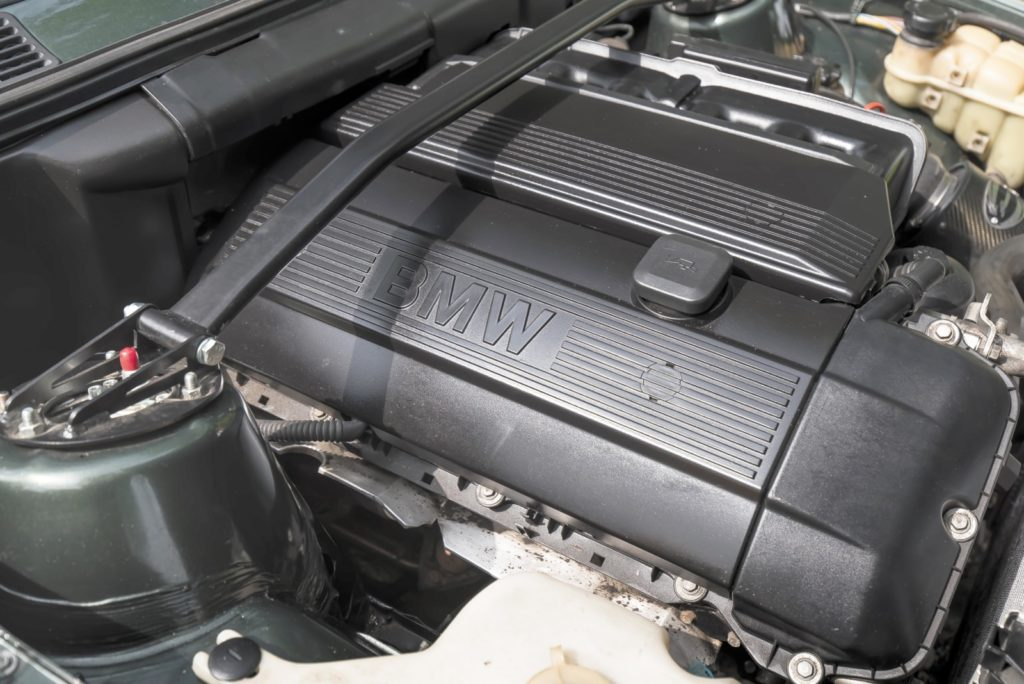 Tuning BMW E30 silnik M54B30