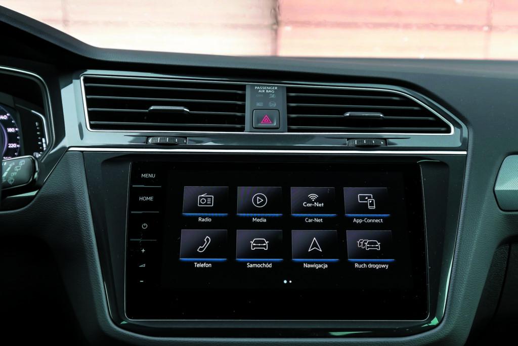 VW Tiguan 2.0 TSI panel środkowy