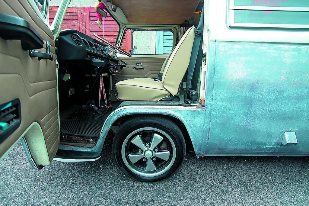 VW T2 Westfalia AB tuning widok na przednie fotele