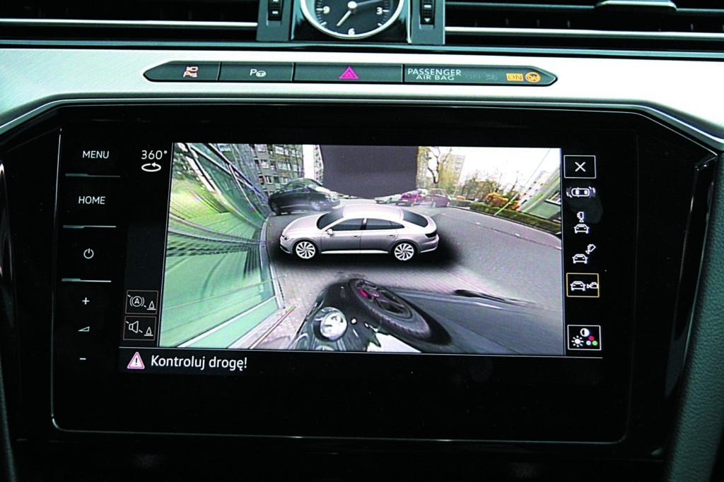 Volkswagen Arteon 2.0 TSI 4Motion widok z kamery cofania
