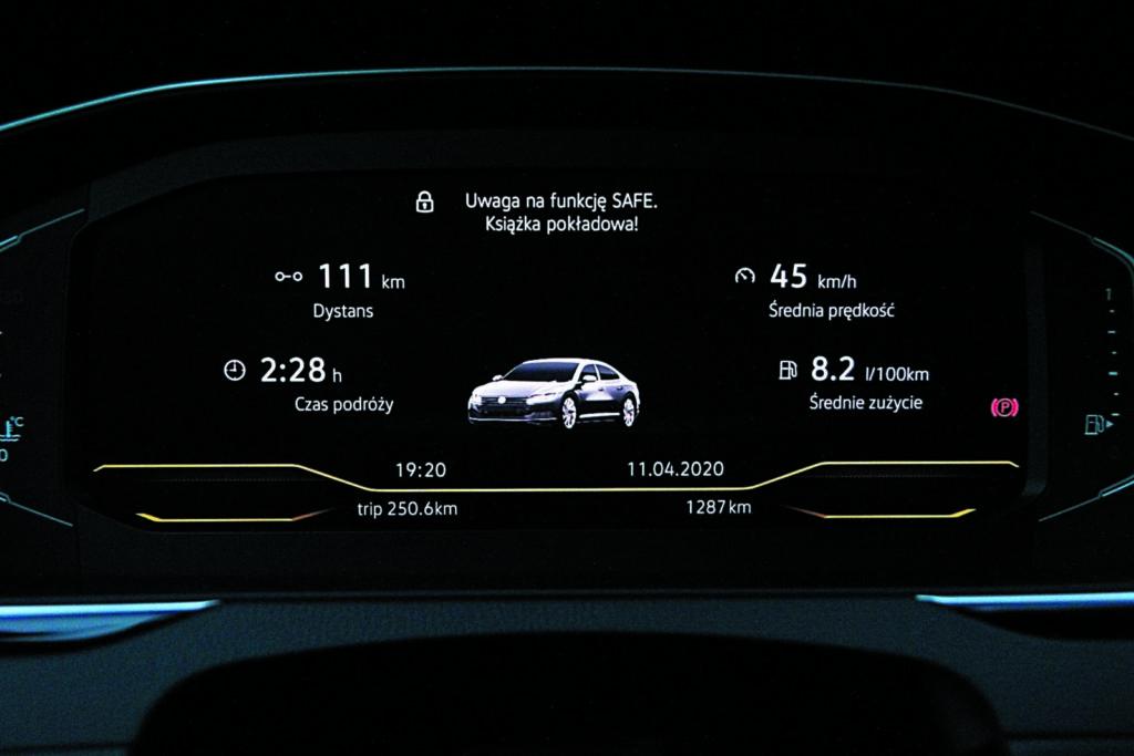 Volkswagen Arteon 2.0 TSI 4Motion wskaźniki komputera pokładowego