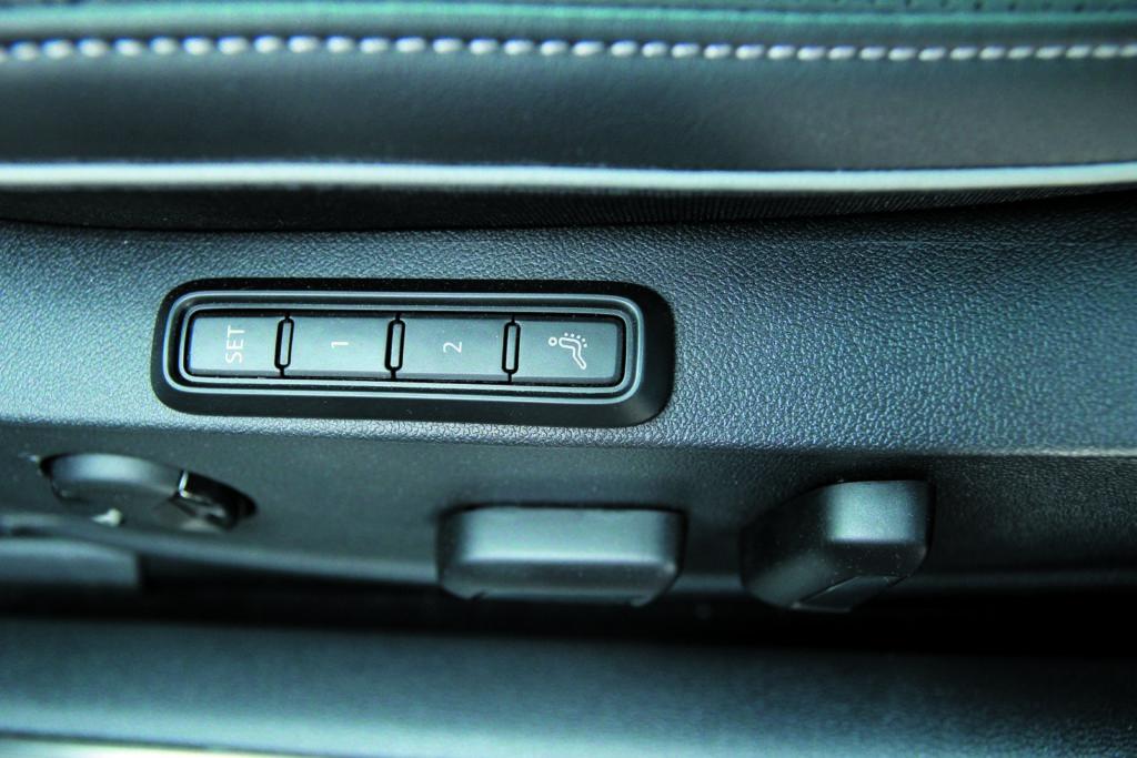 Volkswagen Arteon 2.0 TSI 4Motion regulacja fotela z funkcją masażu