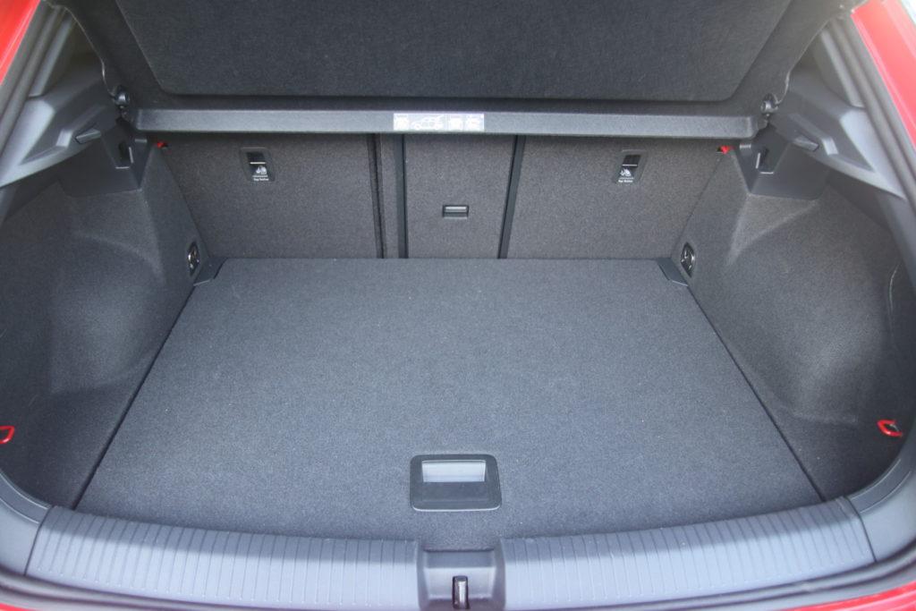 VW T-Roc 2.0 TSI bagażnik