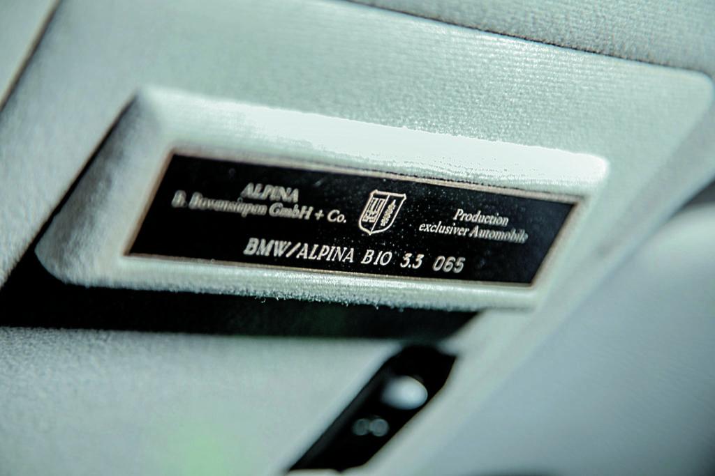 Alpina B10 plakietka z numerem fabrycznym