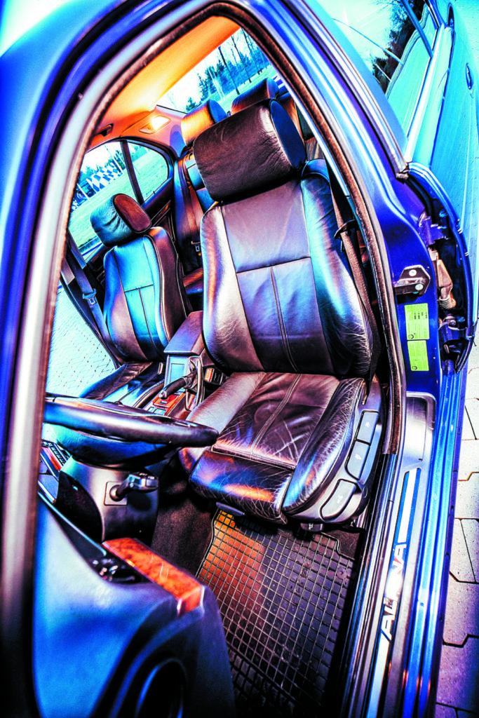 Alpina B10 fotel kierowcy