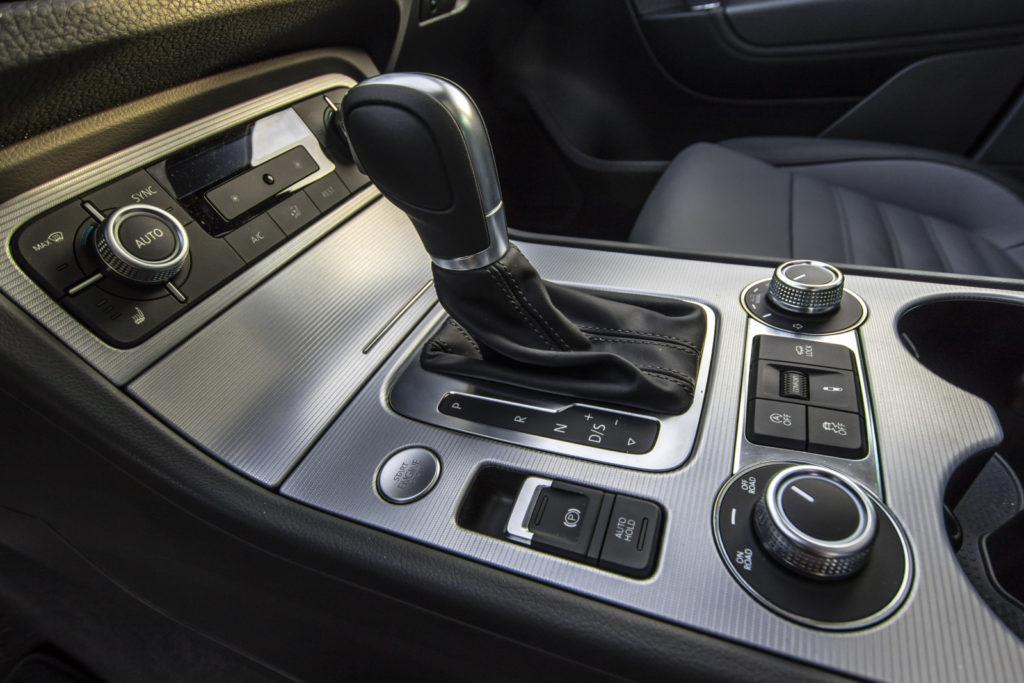 VW Amarok V6 TDI dźwignia zmiany biegów