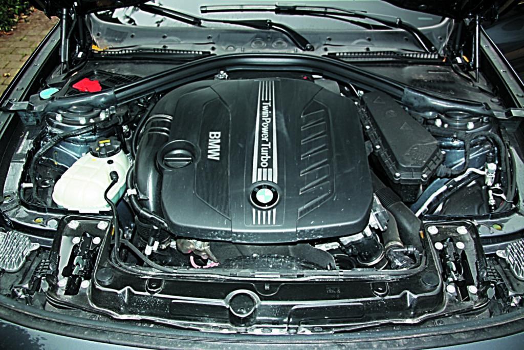 BMW 3 GT F34 330d silnik