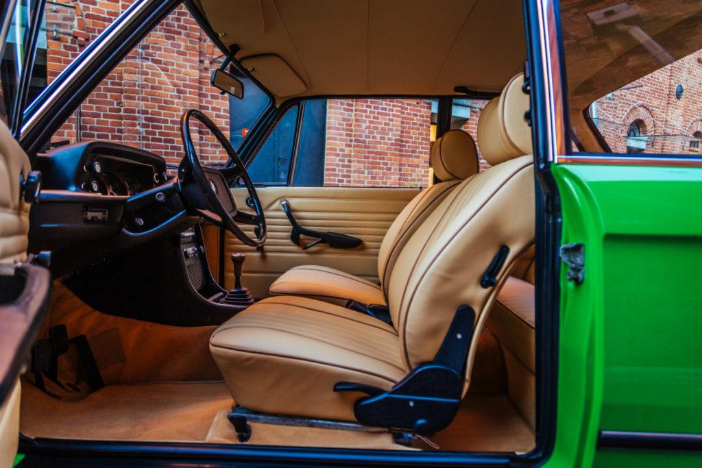 BMW 1502 fotel kierowcy i pasażera