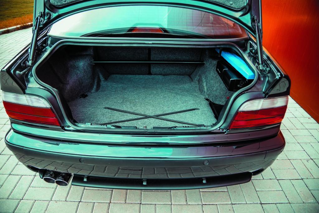 Tuning BMW E36 328i coupé bagażnik
