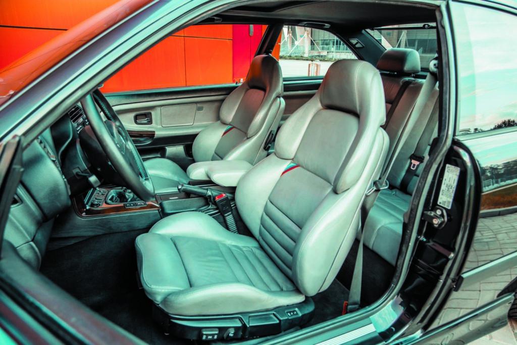 Tuning BMW E36 328i coupé fotele kierowcy i pasażera