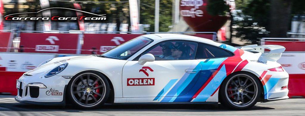 Porsche 911 z Robertem Kubicą za kierownicą