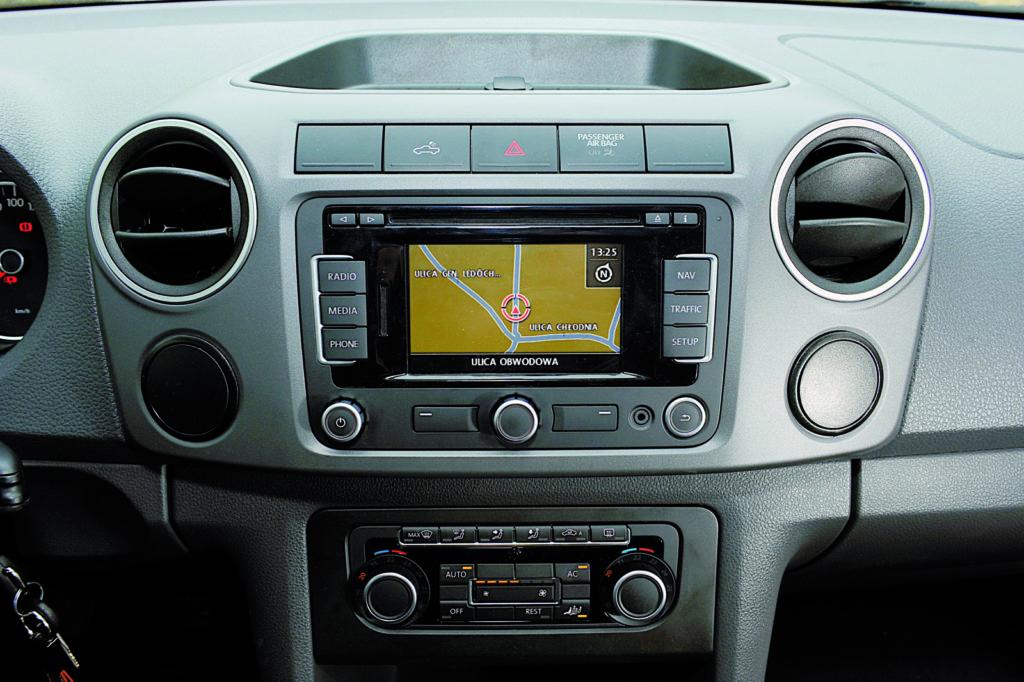 VW AMAROK panel nawigacji i car audio