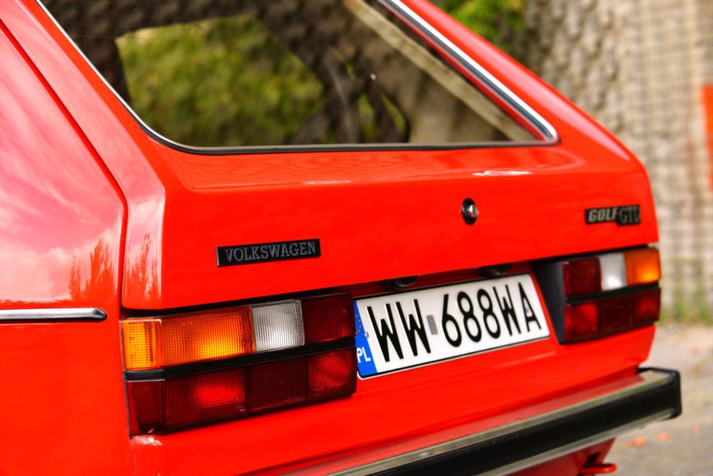 VW Golf Mk 1 tylna klapa