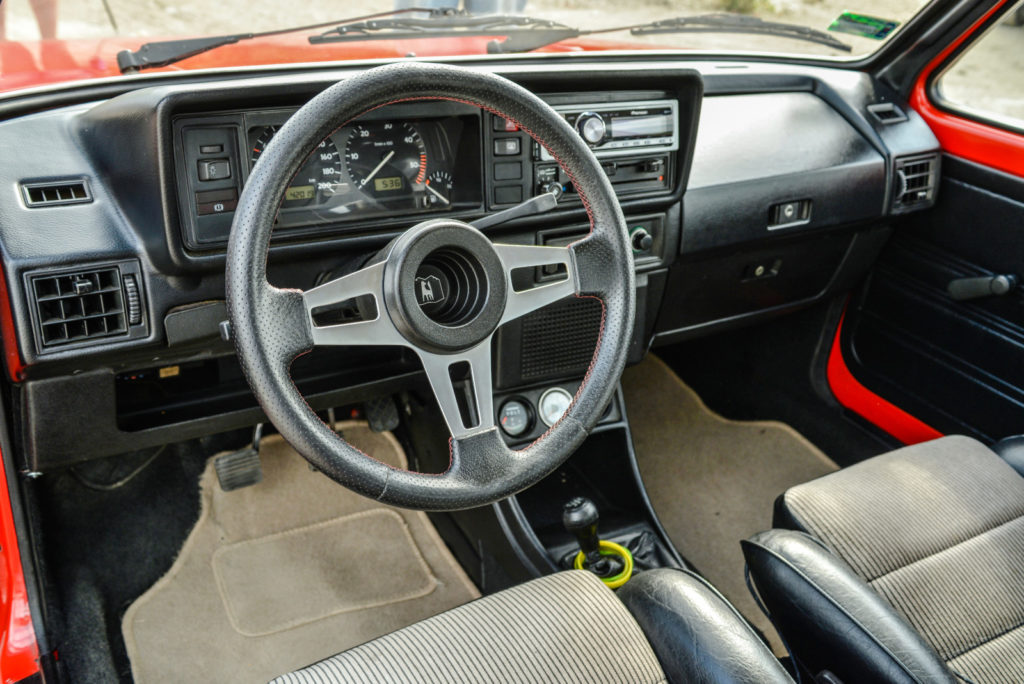 VW Golf Mk 1 kokpit