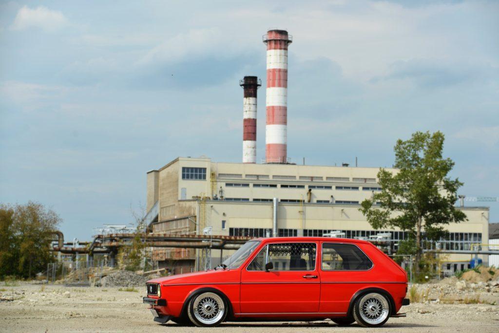 VW Golf Mk 1 widok z boku