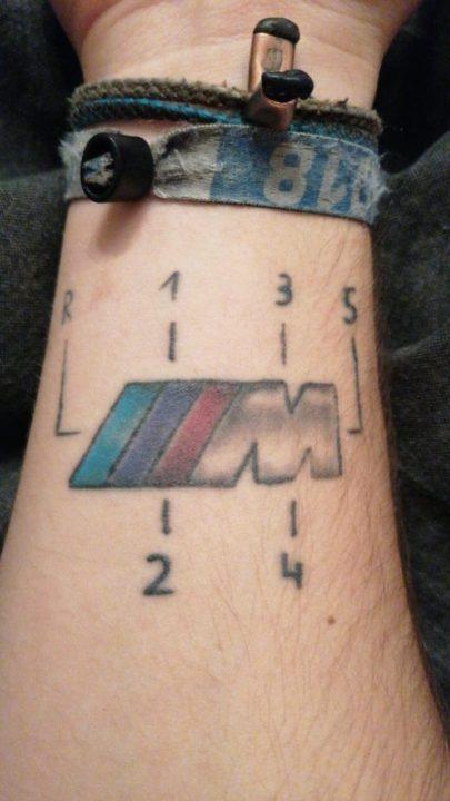 BMW tatuaż