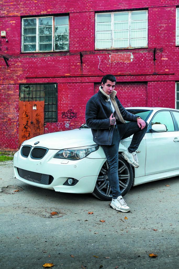 BMW E60 550i rapera White 2115
