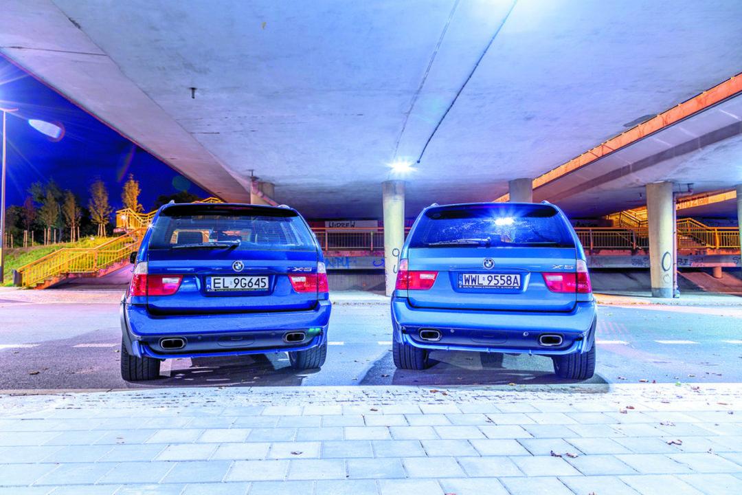 BMW X5 E53 4.6 is i BMW X5 E53 4.8 is od tyłu