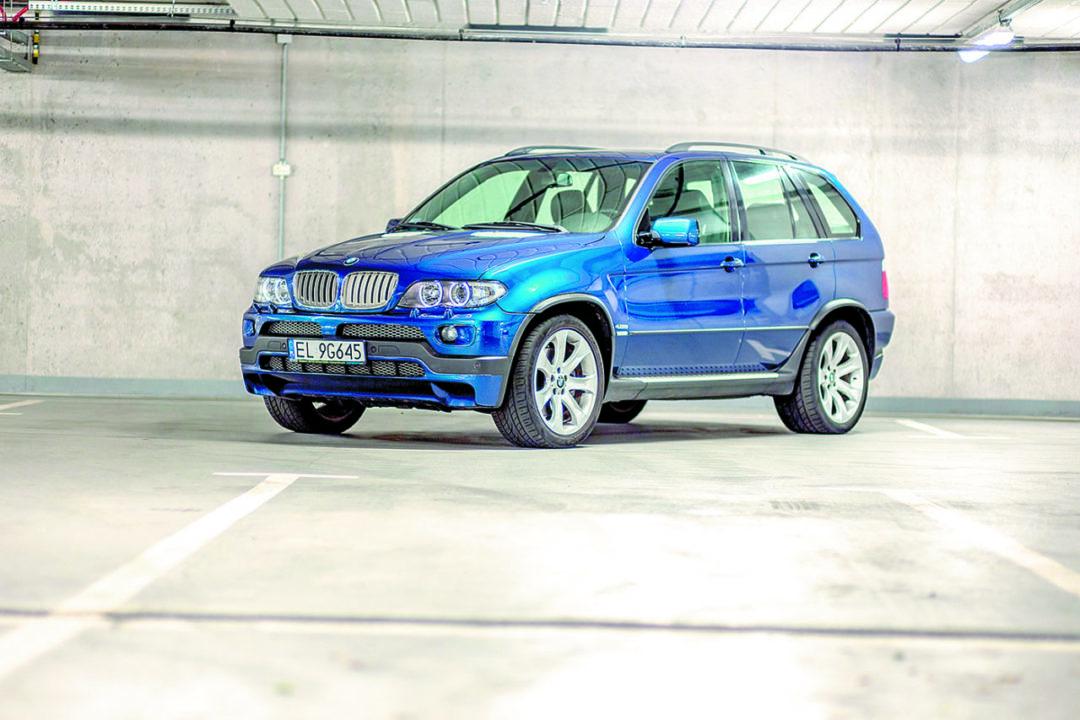 BMW X5 E53 4.8 is
