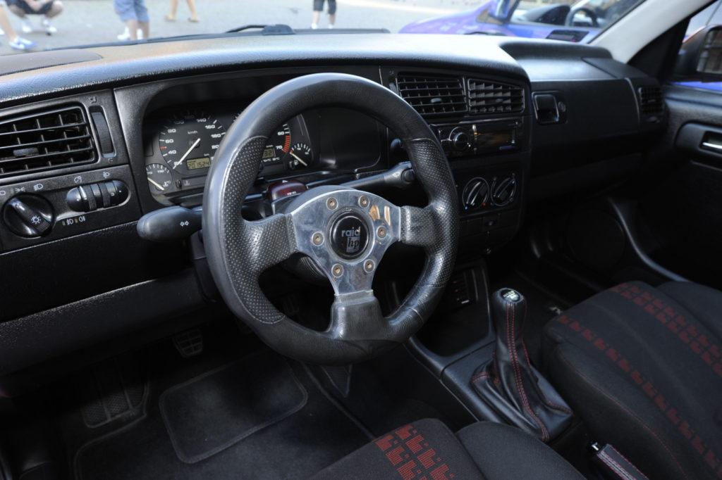 VW Golf III GTI Edition tuning kokpit